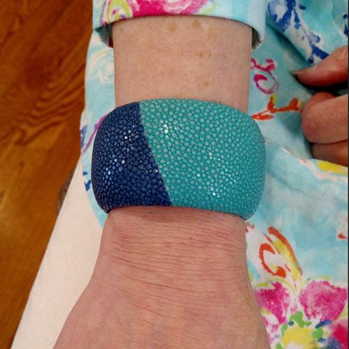 Dyed stingray bracelet