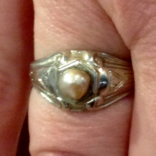 antique 18k white gold ring with natural conch pearl