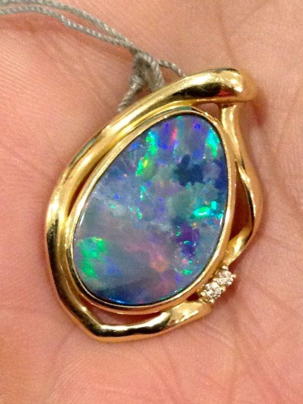 Vintage 14k Australian opal pendant.